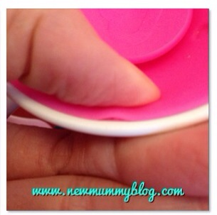 Munchkin 360 cup review - how the Munchkin 360 cup works - the silicon top lets water through as baby's lips cause it to indent