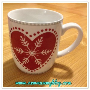 new mummy blog 5 under 5 - snowflake mug
