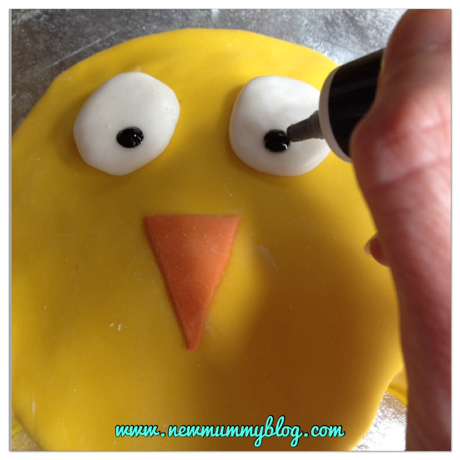 How to make an Easter Chick Cake Making Easter Chick Cake