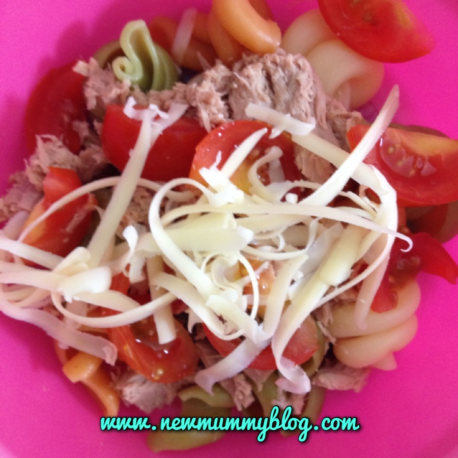 No sandwich lunch Tuna pasta with tomatoes and cheese