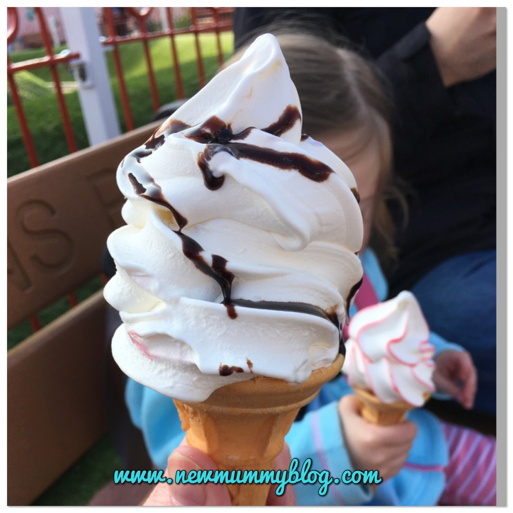 Peppa Pig World review Southampton on our family day out with 2 year old mummy blogger ice cream in the sun