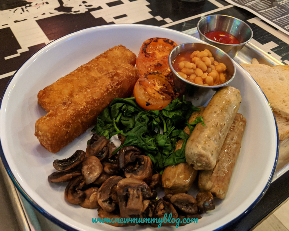 The Miller Cheltenham vegan food review - family lunch with games - vegan breakfast
